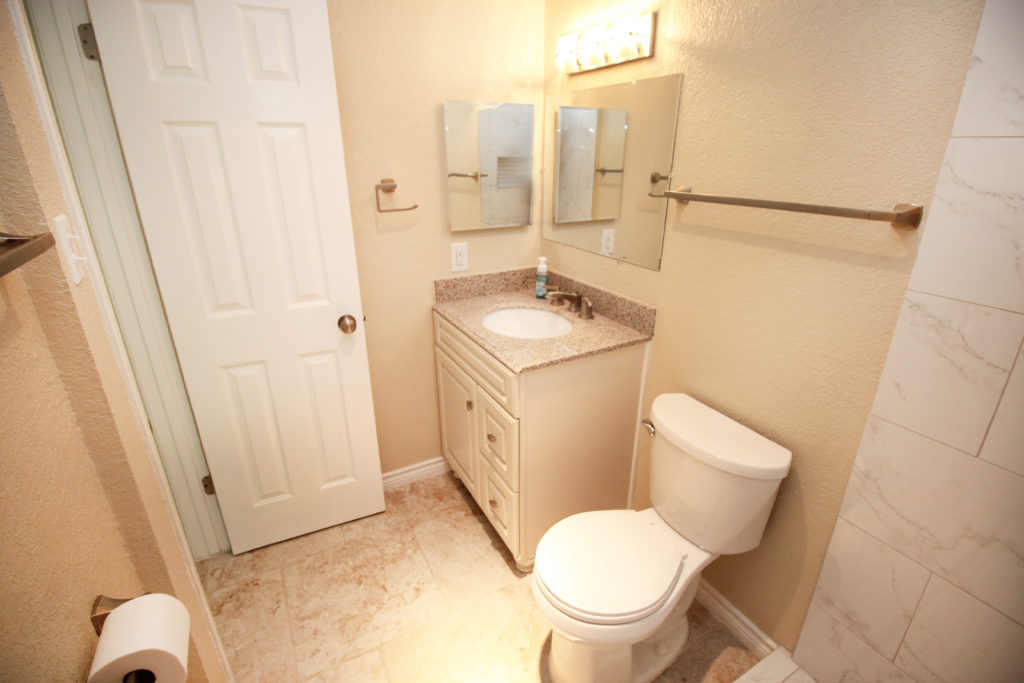 6611 southpoint bathroom 1