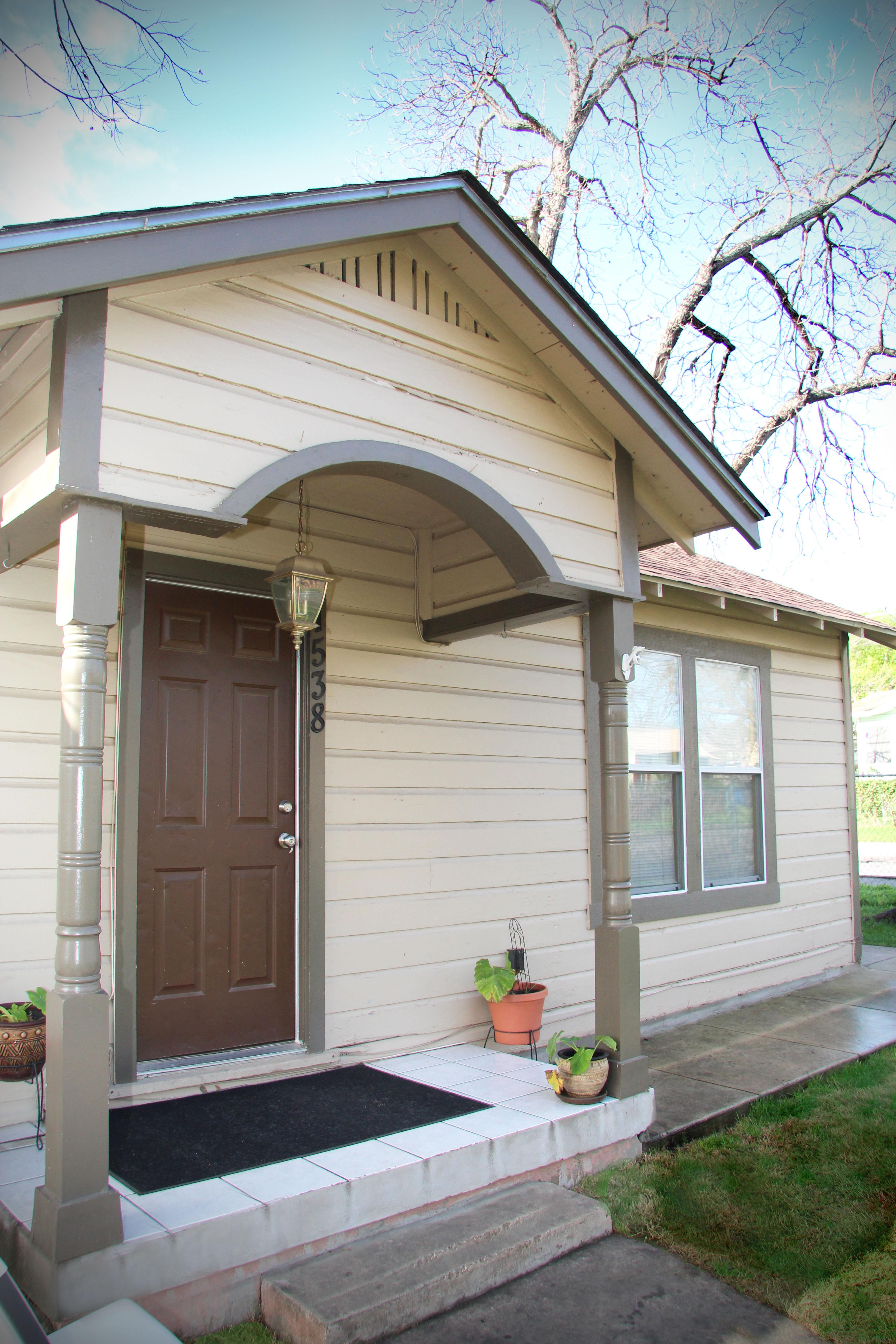 1538 ridgewood 78201 front door
